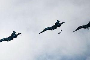 Không quân Nga ném bom dữ dội tiêu diệt toàn bộ phiến quân tập kích căn cứ Hmeimim