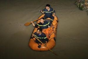 Đồng Nai: Băng qua đường ngập, 2 học sinh bị nước cuốn trôi