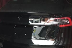 'Đàn em' của Tesla Model X - Xe điện Tesla Model 3 đầu tiên cập bến Việt Nam
