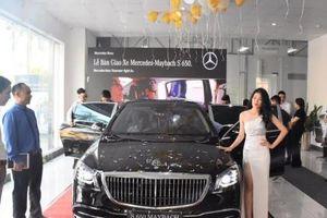 Đại gia Hà Tĩnh 'cầm cương' Range Rover tới đón Mercedes-Maybach S650 2019 đầu tiên tại Việt Nam