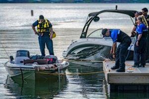 Hai ngư dân người Mỹ không rõ sống chết sau khi thuyền bị nạn