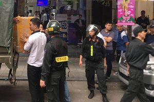 Công an khám xét chuỗi cửa hàng Nhật Cường mobile ở Hà Nội