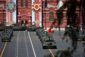 Dàn khí tài Nga phô trương sức mạnh trong lễ duyệt binh Ngày Chiến thắng