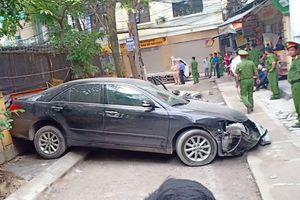 Điều tra vụ tai nạn ô tô cán chết người trên phố Khương Trung