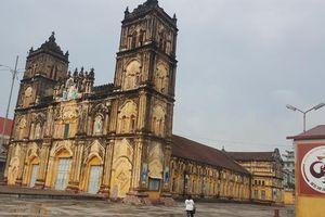 Giáo phận Bùi Chu tạm hoãn việc hạ giải nhà thờ chính tòa