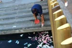 Thừa Thiên – Huế: Phạt người rải vàng mã xuống sông Hương hơn 3 triệu đồng