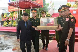 Hà Tĩnh: An táng 7 hài cốt liệt sỹ hy sinh tại Lào