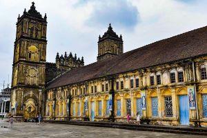 Giáo phận Bùi Chu thông báo hoãn hạ giải nhà thờ chính tòa