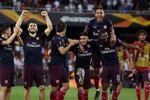Arsenal hẹn Chelsea ở chung kết Europa League