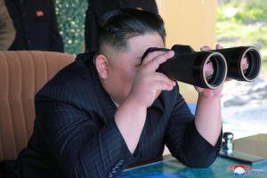 Kim Jong Un yêu cầu quân đội vào 'tư thế chiến đấu tổng lực'