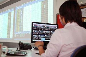 Chứng khoán 10/5: Xu hướng của VN-Index vẫn tiếp tục là tiêu cực