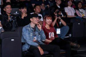 Sau thời gian dài lặng tiếng, PewPew cùng vợ chồng Kelvin Khánh-Khởi My bất ngờ xuất hiện tại buổi fan meeting của streamer Win.D