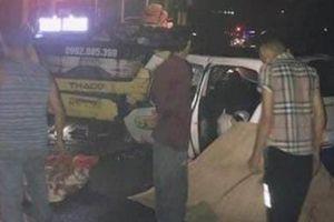 Quảng Ninh: Taxi đấu đầu xe khách, 5 người thương vong