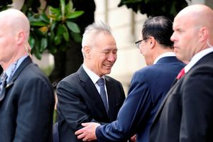 Đàm phán bắt đầu, ông Trump dọa áp thuế quan lên 325 tỷ USD hàng Trung Quốc