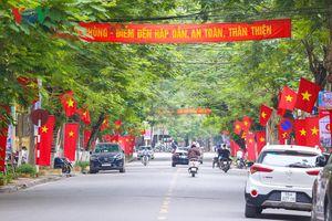 Đường phố Hải Phòng rộn ràng trước giờ khai mạc Lễ hội Hoa phượng đỏ