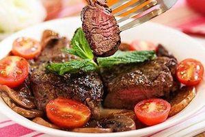 Vì sao 'cấm ăn' thịt bò vào buổi tối?