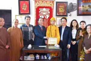 Phó Chủ tịch Ngô Sách Thực thăm, chúc mừng Đại lão Hòa thượng Thích Phổ Tuệ nhân dịp Đại lễ Phật đản 2019