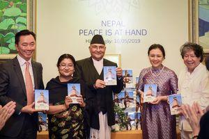 Thủ tướng Nepal dự lễ ra mắt sách ở Hà Nội