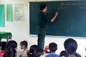 Khai giảng lớp học tình thương ở xã biên giới Châu Khê