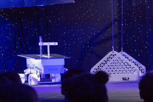 Tỷ phú Jeff Bezos hé lộ tàu vũ trụ Blue Moon: 'Đã đến lúc quay trở lại Mặt Trăng, và lần này là ở lại'