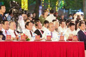 Thủ tướng Nguyễn Xuân Phúc dự khai mạc lễ hội Hoa phượng đỏ Hải Phòng