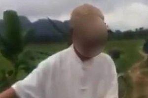 Tạm giữ hình sự ông già 79 tuổi nghi 'giở trò đồi bại' với bé 8 tuổi