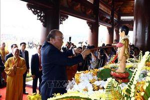 Thủ tướng Nguyễn Xuân Phúc dự lễ khai mạc Đại lễ Vesak 2019