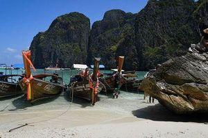 Thái Lan đóng cửa bãi biển du lịch nổi tiếng