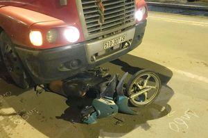 Hai người chết do tai nạn giao thông trong đêm Sài Gòn