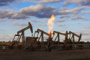 Giá dầu giảm tuần thứ 3 liên tiếp khi xung đột thương mại Mỹ - Trung 'nóng' trở lại