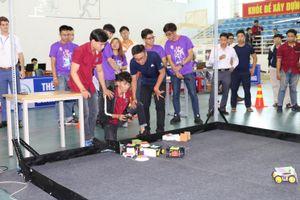 Khích lệ sinh viên nghiên cứu khoa học qua cuộc thi chế tạo robot