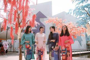 Độc đáo những tà áo dài mang đậm 'chất ngành' của Trường Đại học Kiến trúc Đà Nẵng