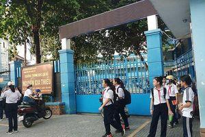Xông vào trường chém học sinh: An ninh trường học ở đâu?