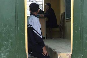 Phạt học sinh quỳ trong lớp có phạm tội làm nhục người khác?