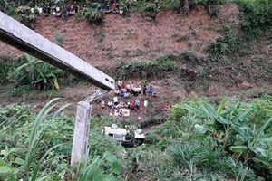 Ôtô lao vực ở Lao Cai, 1 người tử vong