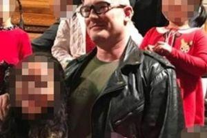 Người Anh bức xúc vì tội phạm ấu dâm ra tù đến VN sống, chụp ảnh với trẻ em