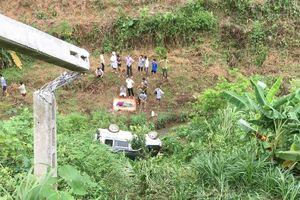 Lào Cai: Ô tô lao xuống vực sâu, 2 vợ chồng thương vong