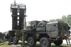 Ấn Độ được đề nghị bỏ rồng lửa Nga, mua 'người yêu nước' Mỹ
