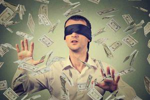 Ham kiếm tiền quá mức, người đàn ông lâm vào bi kịch oái oăm 'mất hứng thú' gần gũi vợ
