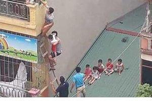 Clip: Thót tim nhìn người dân bắc thang lên tầng 4 giải cứu các cháu nhỏ như phim hành động trong vụ cháy trường mầm non