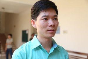 Clip: Bác sĩ Hoàng Công Lương chỉa sẻ gì sau khi hoãn phiên tòa