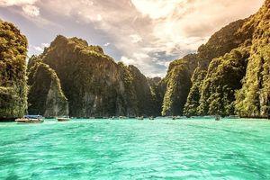 Không chỉ vịnh Maya, đã từng có 2 'thiên đường du lịch' khác từng phải đóng cửa vì thiệt hại của môi trường