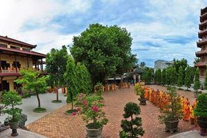 Vãn cảnh chùa và thưởng thức các món chay - nét văn hóa xứ Huế