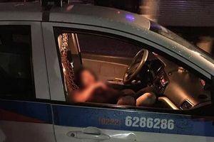 Hà Nội: Phát hiện nữ tài xế bị đâm trọng thương trên xe taxi, nghi bị sát hại do mâu thuẫn tình cảm