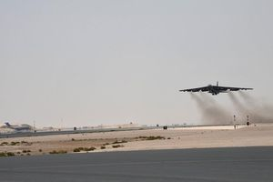'Pháo đài bay' B-52 Mỹ hoạt động trên Vịnh Ba Tư