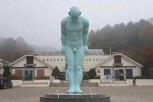 Huế chốt địa điểm đặt tượng 'Người đàn ông cúi đầu'