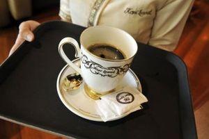 Nếm thử tách cà phê đắt nhất thế giới giá 75 USD