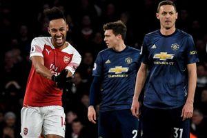 Arsenal hoặc Man United có thể thế chỗ Man City dự Champions League mùa tới