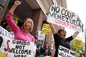 Căng thẳng sau vụ cảnh sát Mỹ tiến vào Đại sứ quán Venezuela ở Washington