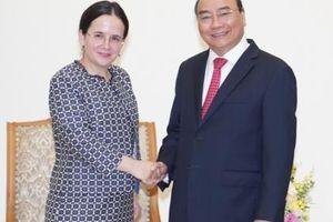 Thủ tướng tiếp Quốc vụ khanh Bộ Ngoại giao Romania và Chủ tịch Phòng Kinh tế Áo